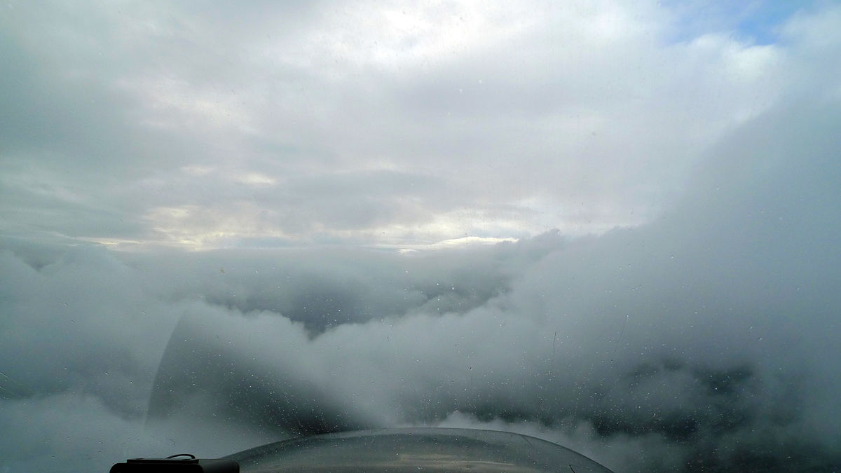 IFR_in_IMC_over_SLI_into_LGB_on_the_VOR_and_ILS_in_a_172_photo_D_Ramey_Logan